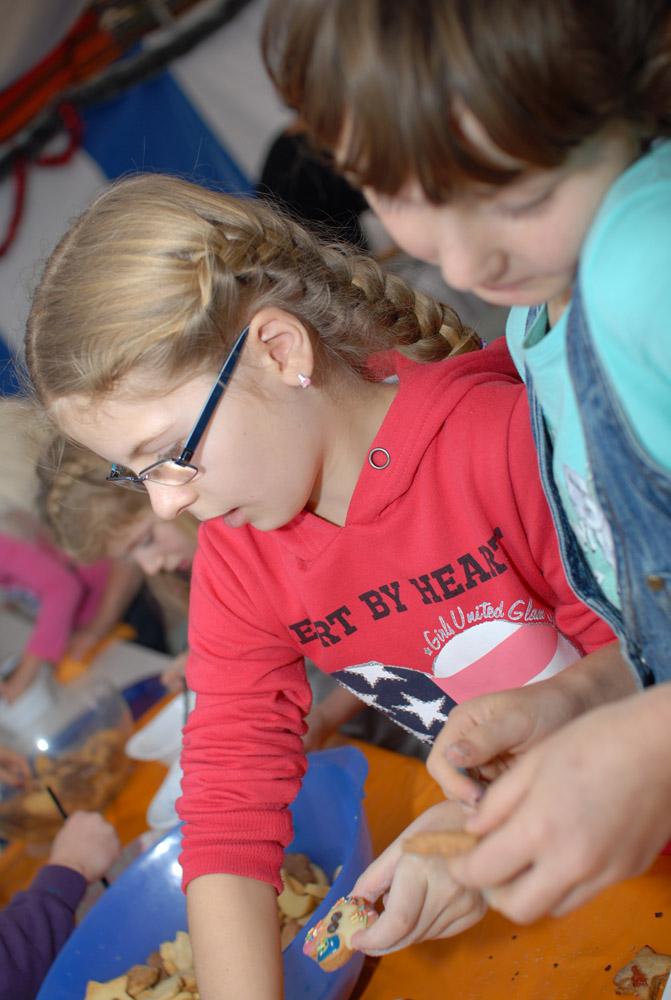 Plaetzchen-backen-im-Goitzsche-Camp-2012